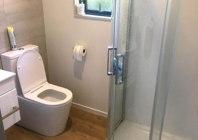 bathroom by In Depth Builders Ltd